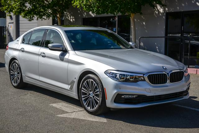 New 2018 BMW 5 Series 530e iPerformance Plug-In Hybrid With Navigation
